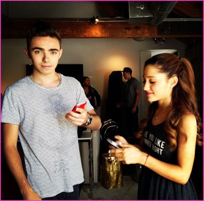 Ariana-Grande-Nathan-Sykes-Performance